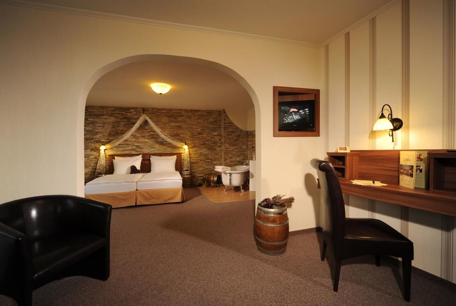 champagner-suite-hotel-an-der-mosel-moseltal-loef-lellmann
