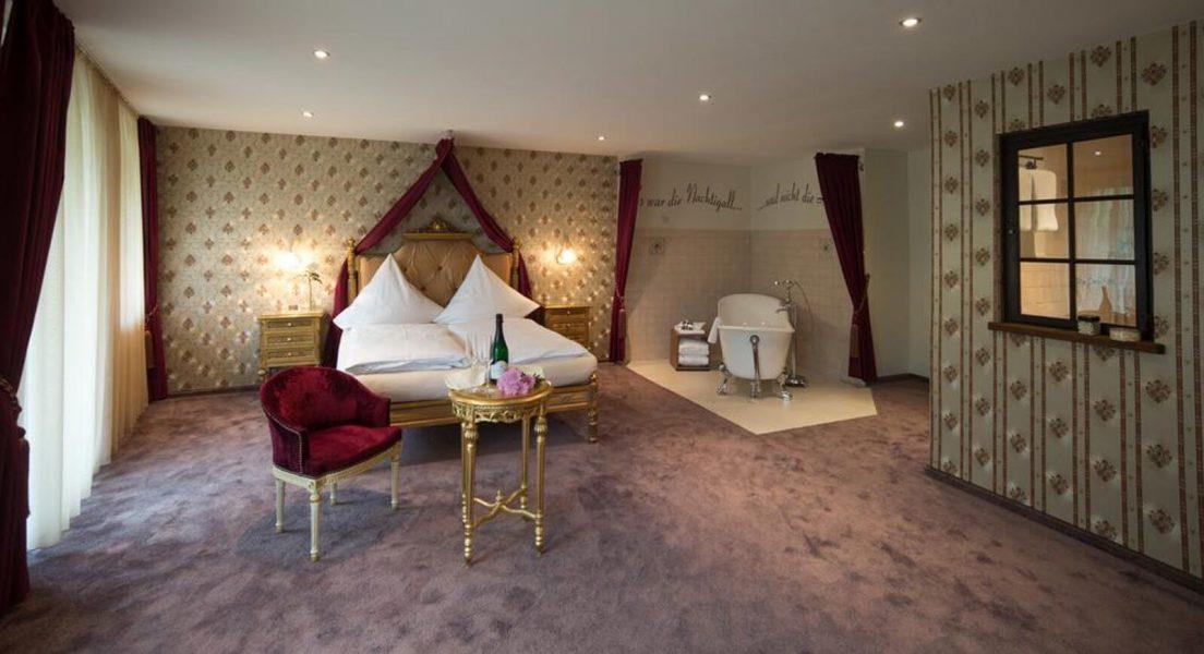 romeo-julia-suite-hotel-an-der-mosel-moseltal-loef-lellmann